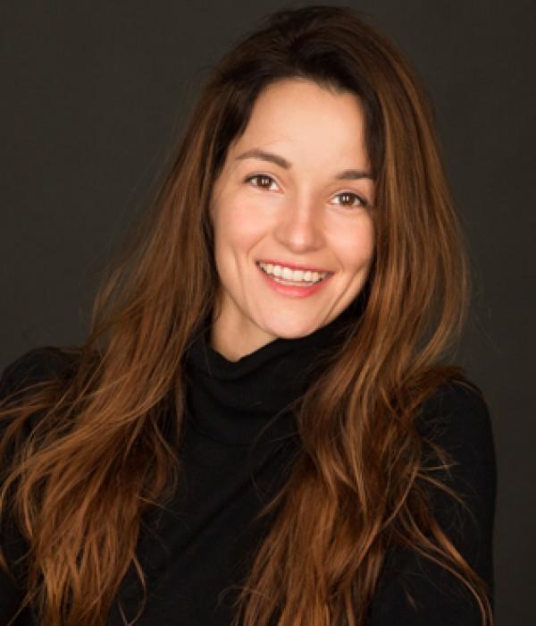 Esther Nubiola